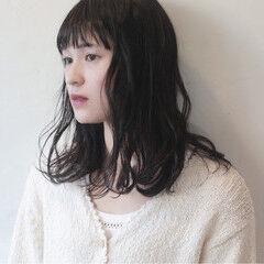 黒髪 フリンジバング パーマ セミロング ヘアスタイルや髪型の写真・画像