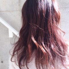 冬 ベリーピンク ゆるふわ ガーリー ヘアスタイルや髪型の写真・画像