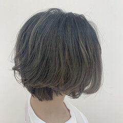 グレージュ ブリーチなし バレイヤージュ エレガント ヘアスタイルや髪型の写真・画像