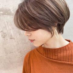 ショート 大人ショート ナチュラル パーマ ヘアスタイルや髪型の写真・画像
