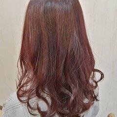 セミロング 赤茶 フェミニン 大人ロング ヘアスタイルや髪型の写真・画像