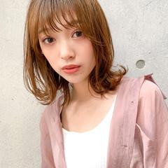 鎖骨ミディアム 小顔ヘア ナチュラル レイヤーカット ヘアスタイルや髪型の写真・画像