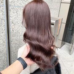 エレガント ブリーチなし ツヤ髪 ベリーピンク ヘアスタイルや髪型の写真・画像