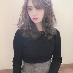 ナチュラル ミルクティーベージュ ハイトーンカラー ハイトーン ヘアスタイルや髪型の写真・画像