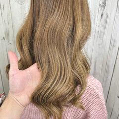 ベージュ ナチュラル 透明感カラー ミルクティーベージュ ヘアスタイルや髪型の写真・画像