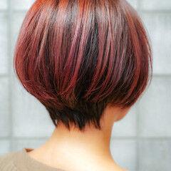 レッドカラー 小顔ショート ショートボブ ナチュラル ヘアスタイルや髪型の写真・画像