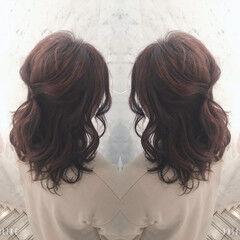 ミディアム AVEDA ハイライト フェミニン ヘアスタイルや髪型の写真・画像