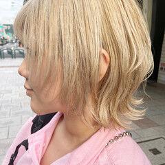アッシュ インナーカラー ウルフカット ブリーチ ヘアスタイルや髪型の写真・画像