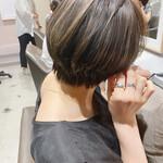 ナチュラル 透明感カラー ショートヘア ハンサムショート