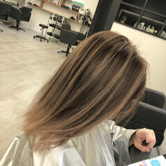 セミロング 外国人風カラー アッシュベージュ 3Dカラー ヘアスタイルや髪型の写真・画像