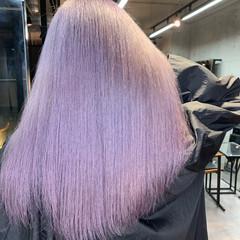 ホワイトシルバー ホワイトブリーチ セミロング ピンクパープル ヘアスタイルや髪型の写真・画像