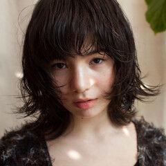 ウルフカット パーマ 外国人風パーマ ナチュラル ヘアスタイルや髪型の写真・画像