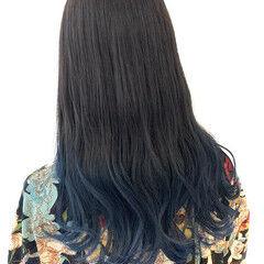 ネイビーブルー グラデーションカラー セミロング ブルーグラデーション ヘアスタイルや髪型の写真・画像