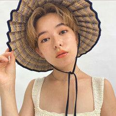 ショートヘア ベージュ ショート女子 ナチュラル ヘアスタイルや髪型の写真・画像