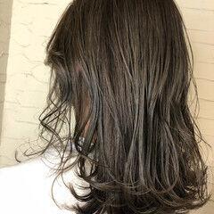 グレージュ モノトーン ナチュラル モテ髮シルエット ヘアスタイルや髪型の写真・画像