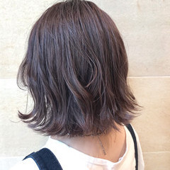 アッシュグレージュ ボブ ストリート ラベンダーグレージュ ヘアスタイルや髪型の写真・画像