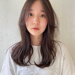 透け感ヘア ナチュラル ヘアアレンジ ナチュラルベージュ ヘアスタイルや髪型の写真・画像