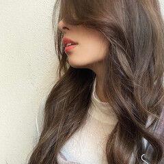 イルミナカラー ロングヘア デジタルパーマ ハイライト ヘアスタイルや髪型の写真・画像