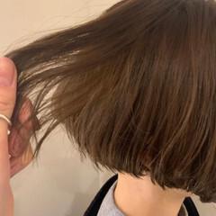 ベージュ うる艶カラー ナチュラル ミニボブ ヘアスタイルや髪型の写真・画像