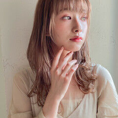 アンニュイほつれヘア ラベージュ ナチュラル ミルクティーブラウン ヘアスタイルや髪型の写真・画像