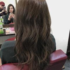 外国人風 暗髪 ロング カーキアッシュ ヘアスタイルや髪型の写真・画像