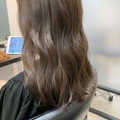 オリーブベージュ ロング グレージュ オリーブグレージュ ヘアスタイルや髪型の写真・画像