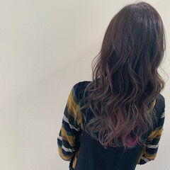 インナーカラー エレガント ユニコーンカラー ブリーチ ヘアスタイルや髪型の写真・画像
