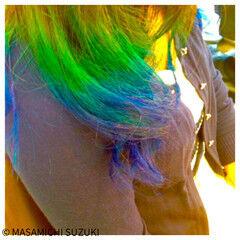セミロング ストリート ネオンカラー グラデーションカラー ヘアスタイルや髪型の写真・画像