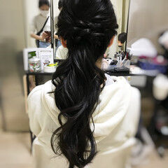 アウトドア ヘアアレンジ ナチュラル ローポニー ヘアスタイルや髪型の写真・画像