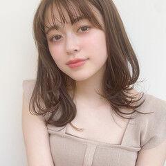 ミディアム 毛先パーマ 大人かわいい ナチュラル ヘアスタイルや髪型の写真・画像