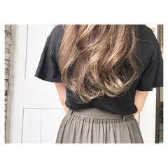 ベージュ ロング 透明感 金髪 ヘアスタイルや髪型の写真・画像