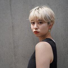 オシャレ ブロンド ハイトーン ナチュラル ヘアスタイルや髪型の写真・画像