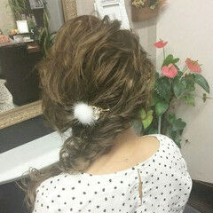 ヘアアレンジ 編み込み ロープ編みアレンジヘア ナチュラル ヘアスタイルや髪型の写真・画像