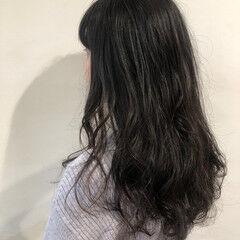 レイヤーカット ナチュラル ゆるウェーブ ゆるナチュラル ヘアスタイルや髪型の写真・画像