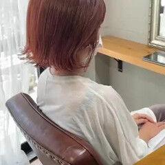 コーラルピンク ナチュラル オレンジカラー オレンジブラウン ヘアスタイルや髪型の写真・画像