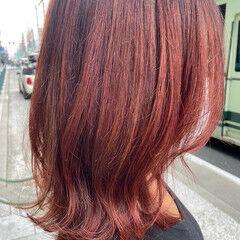 レイヤーカット ニュアンスウルフ ミディアム ベリーピンク ヘアスタイルや髪型の写真・画像