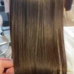 アッシュ ストレート ロング ナチュラル ヘアスタイルや髪型の写真・画像