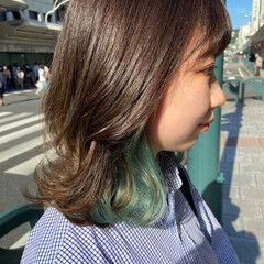 グリーン ブリーチカラー ハイライト ミディアム ヘアスタイルや髪型の写真・画像