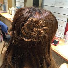 編み込み お花ヘア ヘアアレンジ ニュアンス ヘアスタイルや髪型の写真・画像
