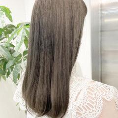 オリーブ ナチュラル ミディアム オリーブベージュ ヘアスタイルや髪型の写真・画像