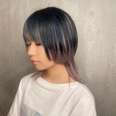 個性的 ハイトーンカラー ウルフカット モード ヘアスタイルや髪型の写真・画像