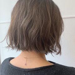 切りっぱなしボブ ナチュラル くせ毛 ボブ ヘアスタイルや髪型の写真・画像