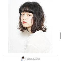 アンニュイほつれヘア 無造作パーマ ニュアンスウルフ ミディアム ヘアスタイルや髪型の写真・画像