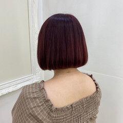 内巻き ガーリー ボブ ボルドー ヘアスタイルや髪型の写真・画像