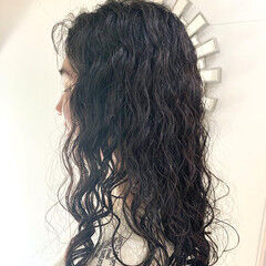 簡単スタイリング パーマ 無造作パーマ 外国人風パーマ ヘアスタイルや髪型の写真・画像