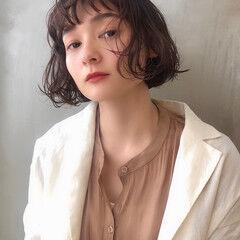 くせ毛風 ナチュラル 暗髪 無造作パーマ ヘアスタイルや髪型の写真・画像