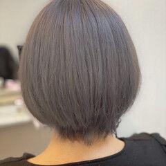 シルバー ショート ホワイトシルバー ショートボブ ヘアスタイルや髪型の写真・画像