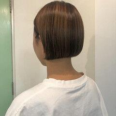 ショートボブ 切りっぱなしボブ 透明感カラー ボブ ヘアスタイルや髪型の写真・画像