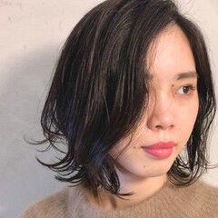 無造作カール レイヤーボブ ナチュラル ボブ ヘアスタイルや髪型の写真・画像