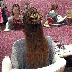 フェミニン ヘアアレンジ 編み込み 花 ヘアスタイルや髪型の写真・画像